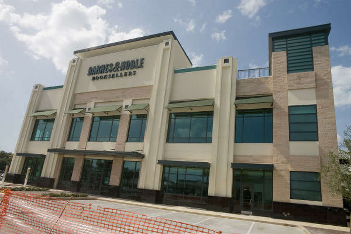 A new Barnes & Noble Booksellers store will open Sept. 16 in the River Oaks Shopping Center on West Gray.