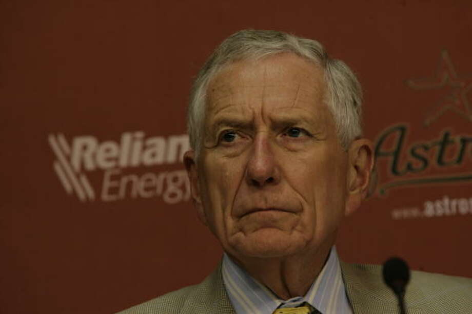 Astros owner Drayton McLane is adamant he doesn't have a problem with his team's effort this season. Photo: Julio Cortez, Chronicle