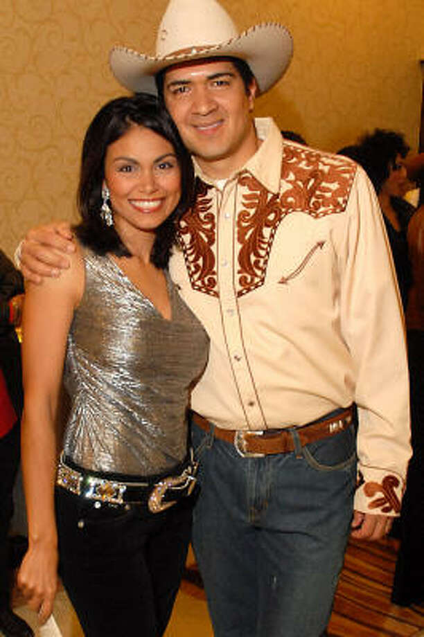 Wendy Corona and Anthony Yanez emceed the Go Tejano fashion show and gala in 2007. Photo: Dave Rossman, For The Chronicle