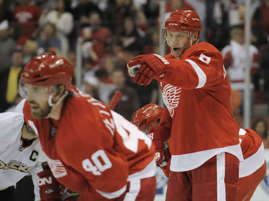 Nicklas Lidstrom  of the Detroit Red Wings calls out instructions during a face off against the Anaheim Ducks in Game One of the Western Conference Semifinals. Photo: Gregory Shamus, Getty Images