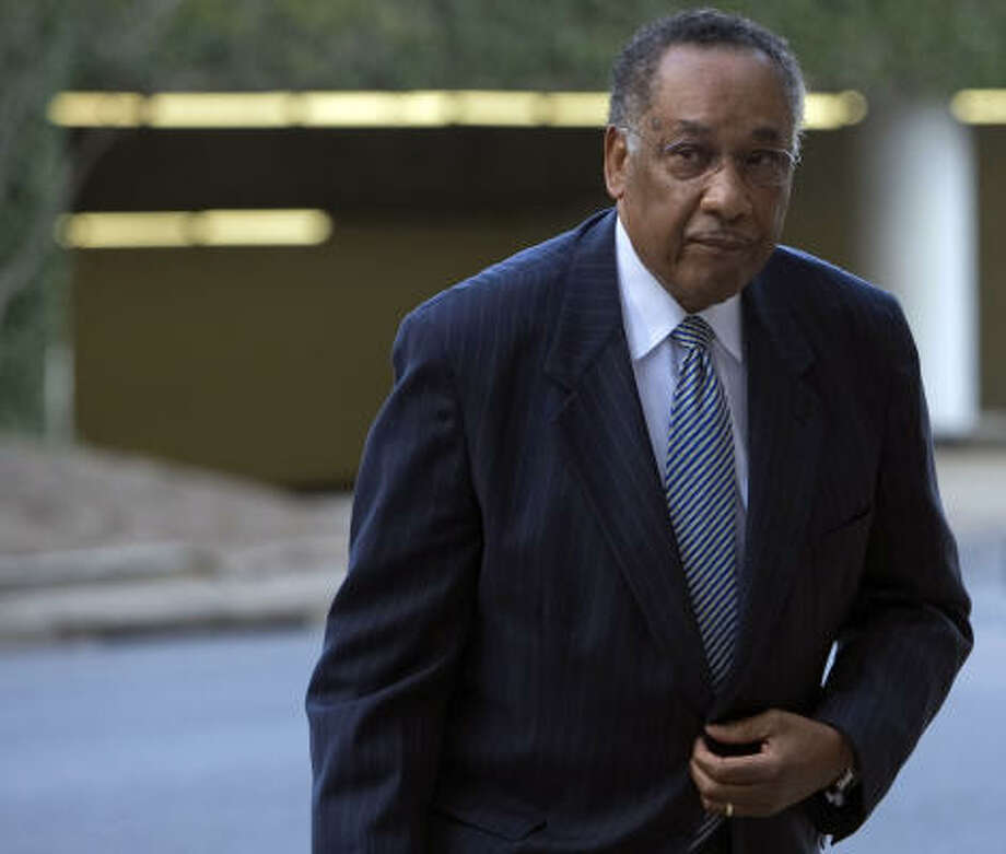 Former Houston Police Chief Lee P. Brown, arriving at the federal courthouse on Wednesday, said he was unaware of shoddy lab work and falsification of evidence until 2002. Photo: Johnny Hanson, Chronicle