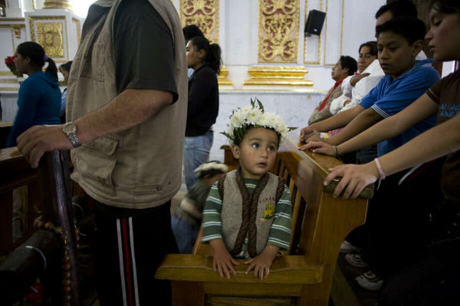 People from all over Mexico visit the Chalma church and leave their crown of flowers. Photo: David Rochkind, Chronicle
