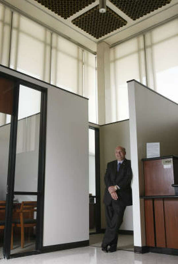 Moody National Bank President Vic Pierson took the lead in making sure Galveston businesses had the funds necessary to rebuild after Hurricane Ike. Photo: Julio Cortez, Chronicle