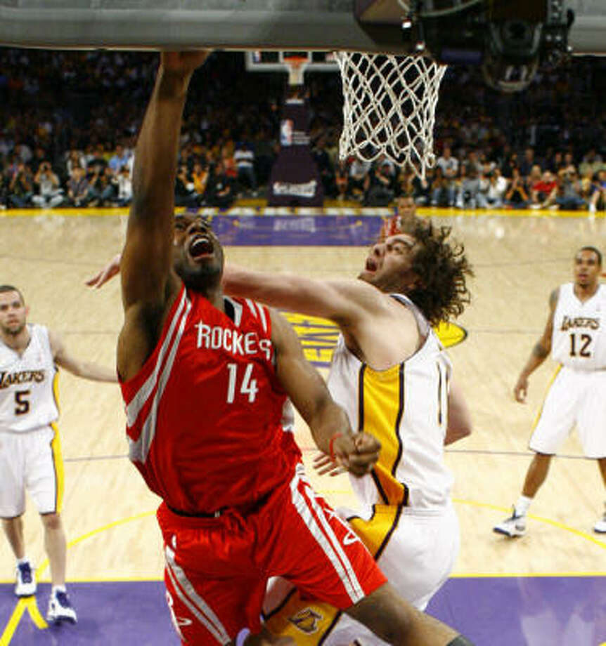 Carl Landry and the Rockets frontcourt will have a height disadvantage against the Lakers. But they did just fine with one against the Jazz. Photo: Nick De La Torre, Chronicle