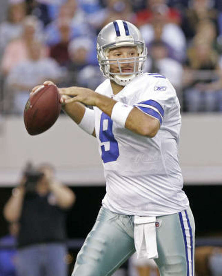 Tony Romo's passer rating this December is a golden 111.9. Over the last three Decembers, it was a pedestrian 71.7. Photo: Amy Gutierrez, AP
