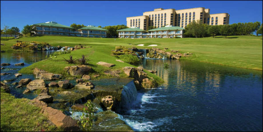 The Four Seasons Resort and Club Dallas at Las Colinas offers a Valentine's package throughout February that includes lodging, dinner for two and other perks. Photo: FOUR SEASONS RESORT AND CLUB DAL