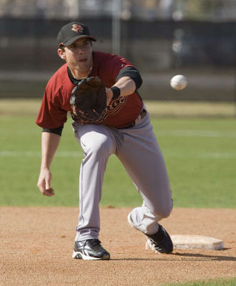 Tommy Manzella is a strong defender, but he needs to improve his hitting. Photo: James Nielsen, Houston Chronicle