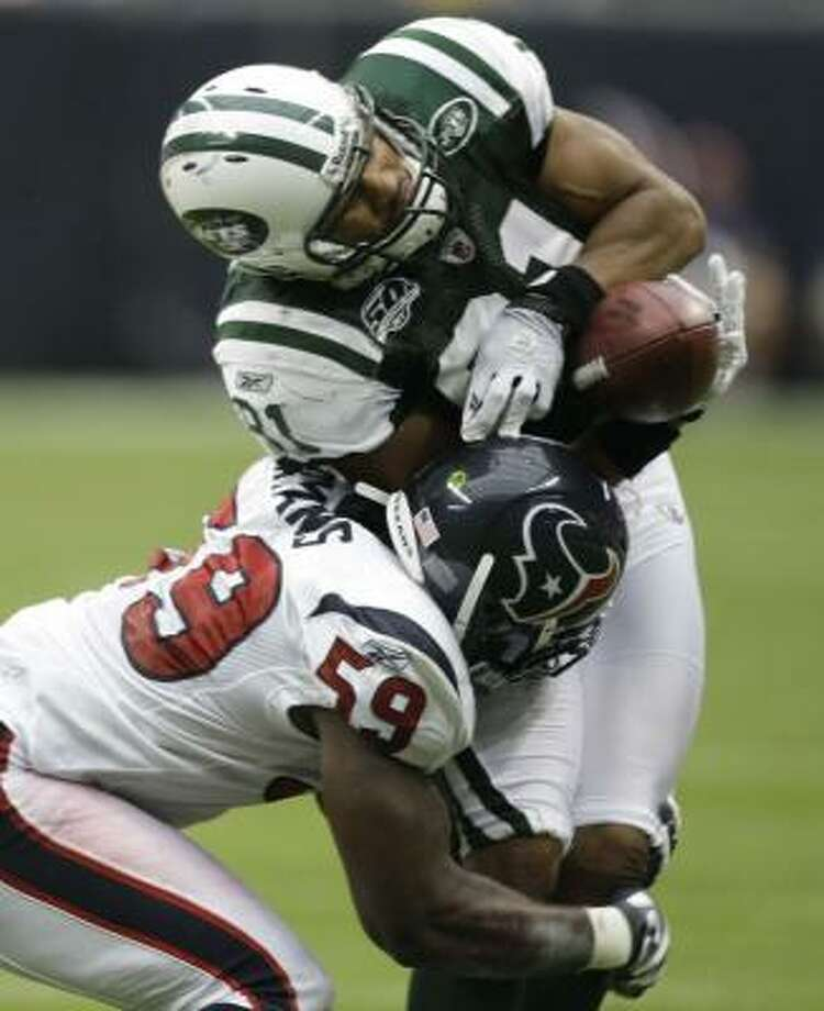 Texans linebacker DeMeco Ryans acknowledges the risks of his brain-jarring job and admits to having blacked out. Photo: Brett Coomer, Houston Chronicle