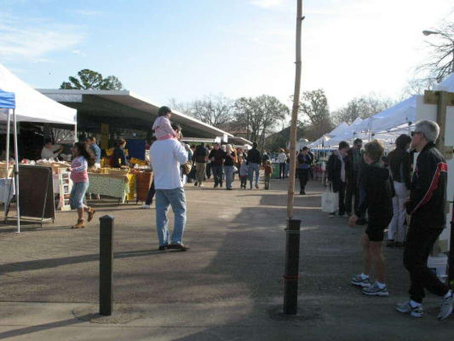 Entrance to the market on Eastside near Greenway Plaza. Photo: Laura Weisman, Chron.com