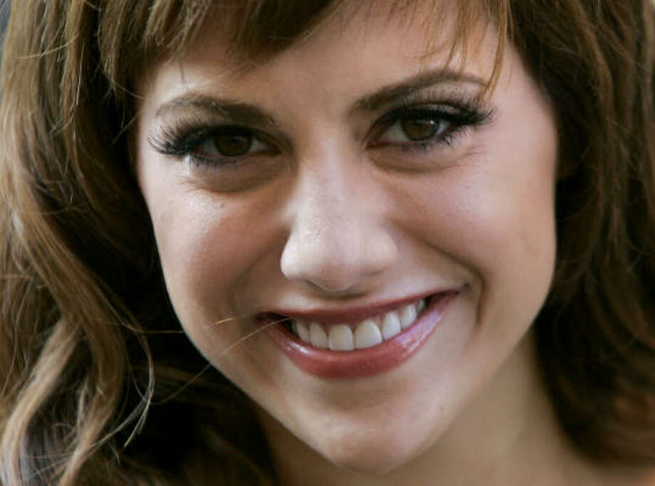 Actress Brittany Murphy died Sunday morning at the age of 32 from cardiac arrest, according to celebrity Web site TMZ. Photo: MATT DUNHAM, AP