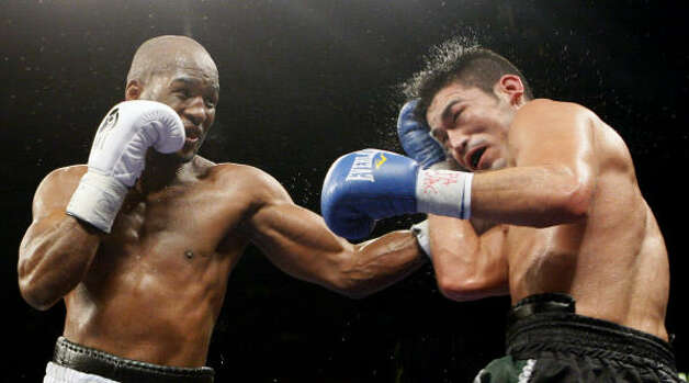 Hopkins improved his record to 50-5-1, 32 KOs. Photo: Matt Slocum, AP