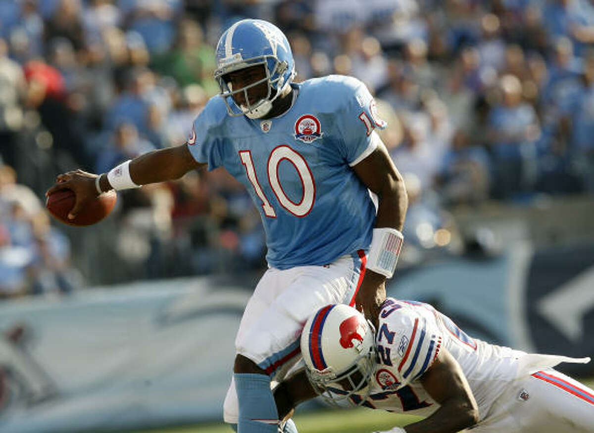 Nov. 15, 2009: Titans quarterback Vince Young (10) had his finest effort of the season in a 41-17 win over the Buffalo Bills, completing 17 of 25 passes for 210 yards and a touchdown.