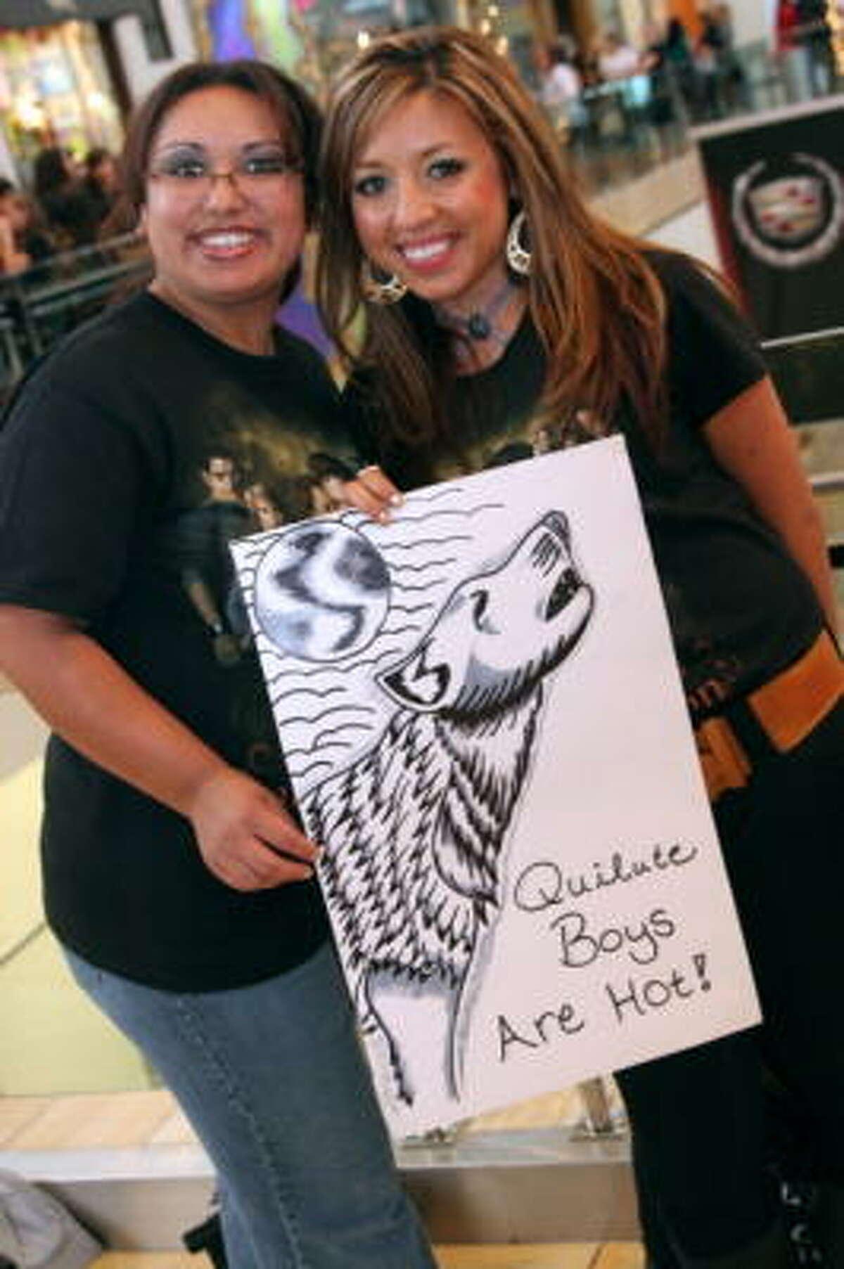 Rebecca Diaz, left, and Jennifer Chavez