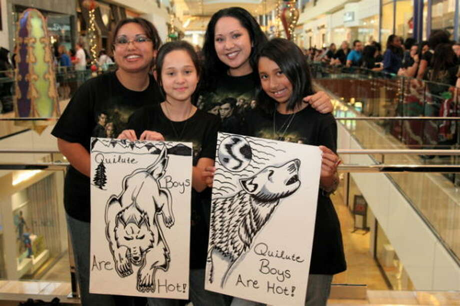 Rebecca Diaz, from left, Nevia Martinez, Christy Perez and Gabriella Diaz Photo: Jordan Graber, For The Chronicle