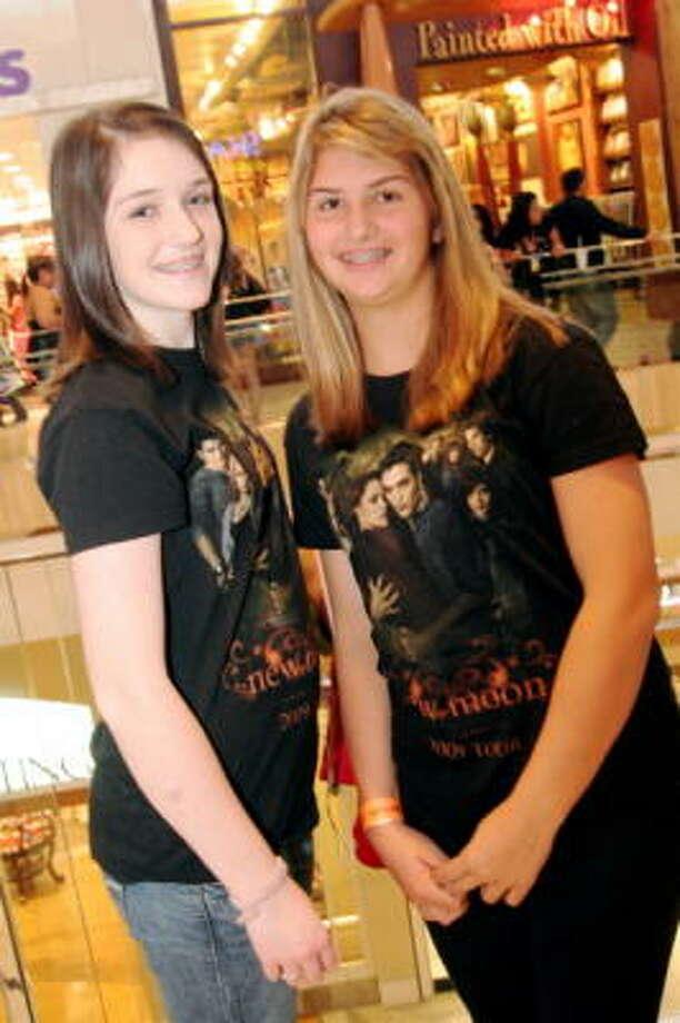 Brittany Kingston, left, and Whitney Wilson Photo: Jordan Graber, For The Chronicle