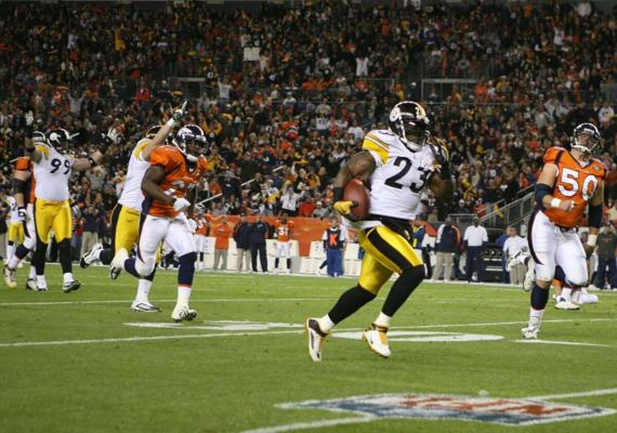 Nov. 9: Steelers 28, Broncos 10 Steelers safety Tyrone Carter (23) intercepted two of the three picks thrown by Broncos quarterback Kyle Orton.