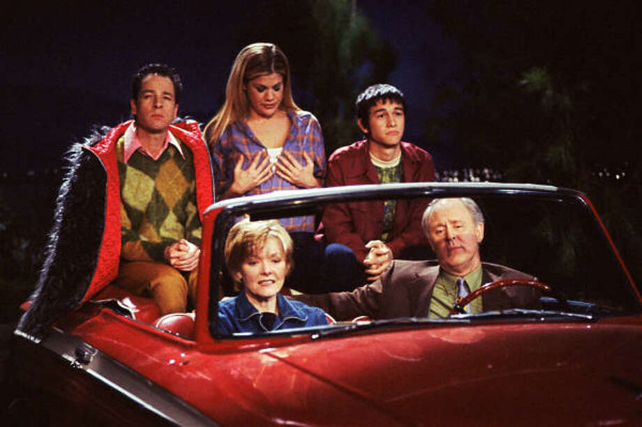 3rd Rock from the Sunis about a group of extraterrestrials on an expedition to Earth, while posing as a human family of four, to observe human beings. Photo: Carsey-Werner