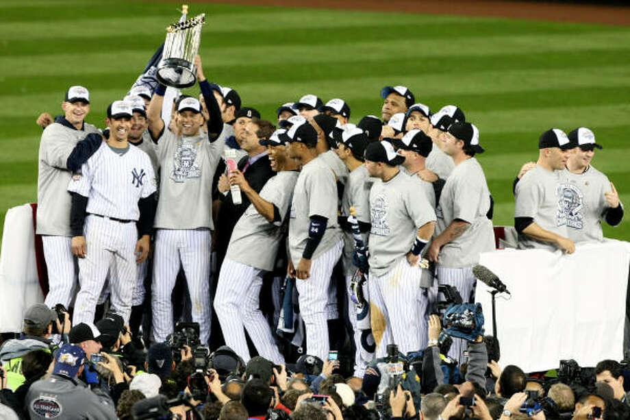 Game 6: Yankees 7, Phillies 3Yankees players celebrate after their 7-3 win against the Philadelphia Phillies in Game 6 of the 2009 World Series. Photo: Al Bello, Getty Images