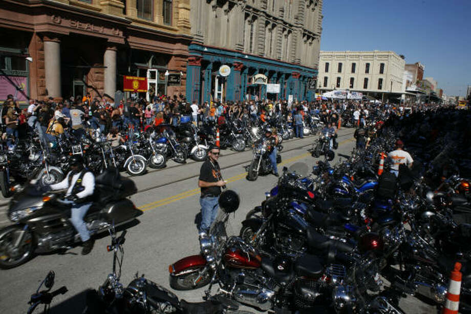 Bikers invade the Strand. Photo: Eric Kayne, For The Chronicle