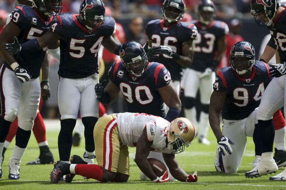 RISING: Run defenseThe Texans have held opponents to less than 60 yards rushing in four straight games after giving up an average of 180 yards in the first three games. Photo: Smiley N. Pool, Chronicle