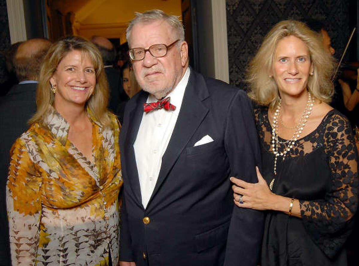 Wendy Hines, Bill Hobby and Meg Murray