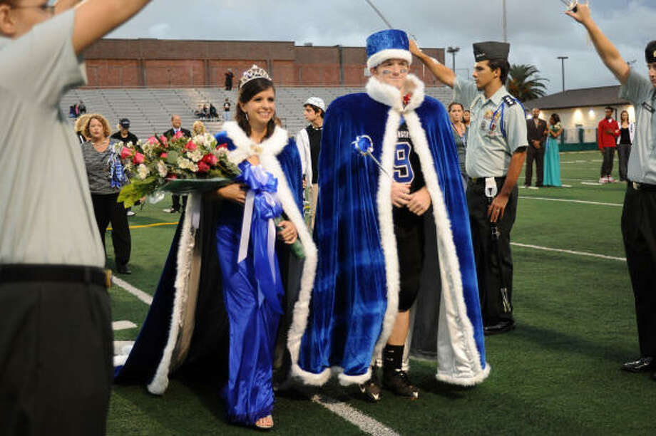Lisa Caterina and Phillip Miller are named 2009 Clear Springs homecoming queen and king Friday at Veterans Memorial Stadium. Photo: Kirk Sides, For The Chronicle