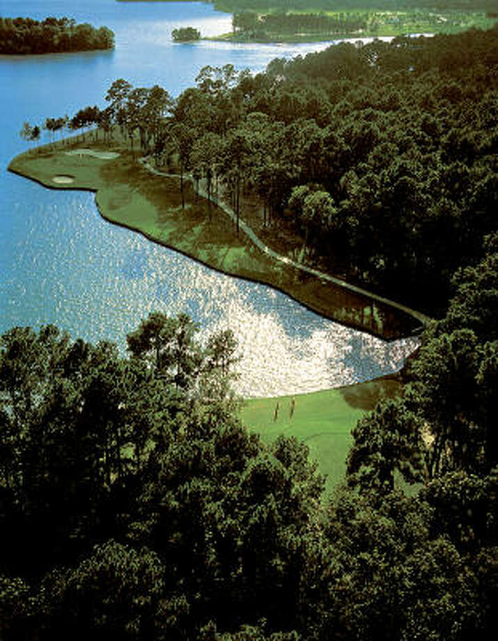 The No. 14 hole on the Weiskopf course is a spectacular example of  Bentwater's surroundings.