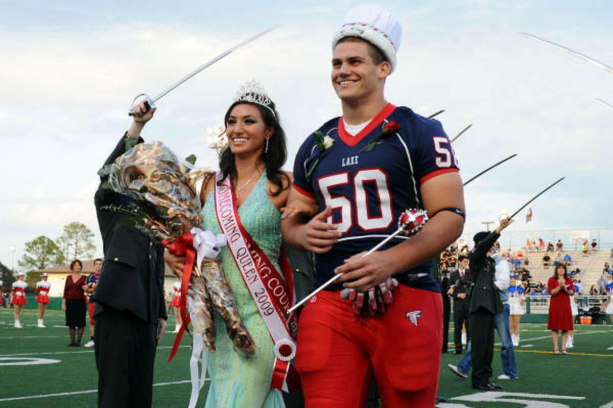 Mika Tabata and Nathaniel Otto are introduced as queen and king.