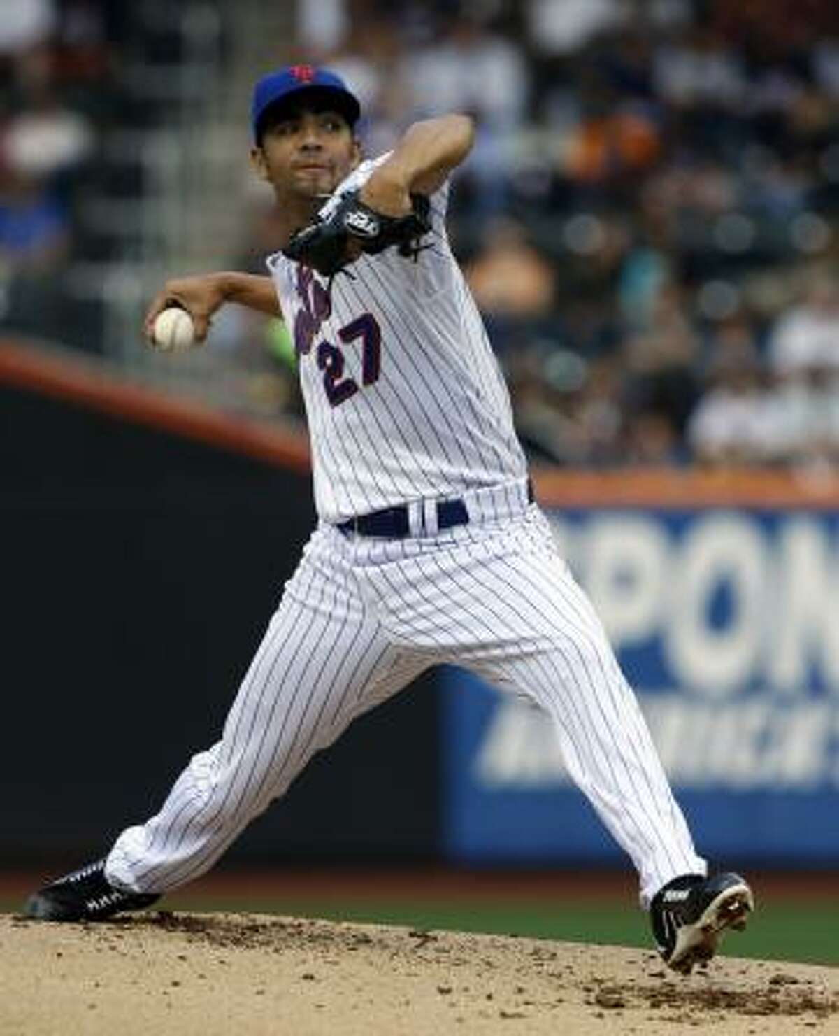 Nelson Figueroa went nine innings for the Mets, striking out seven and allowing zero runs.