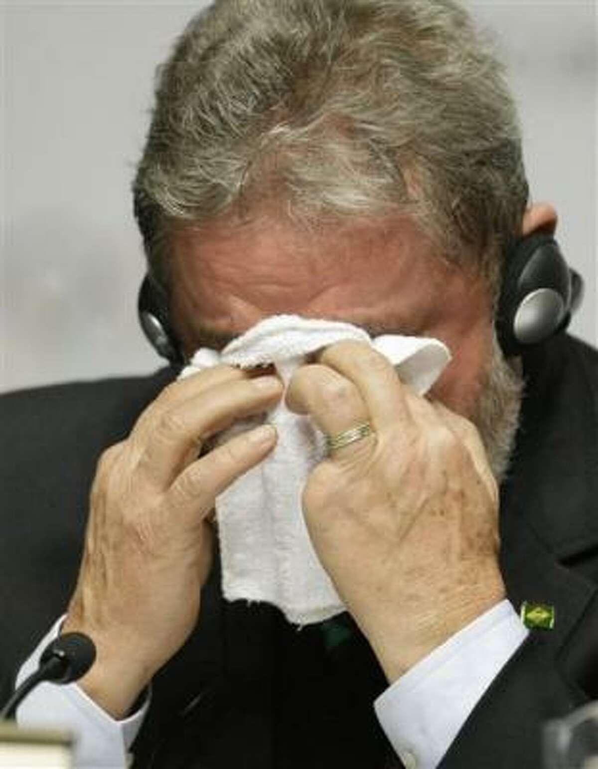 El presidente brasileño Luiz Inacio Lula da Silva llora emocionado en una conferencia de prensa en Copenhague el viernes 2 de octubre del 2009 después que se anunció que Río de Janeiro organizará las olimpíadas del 2016