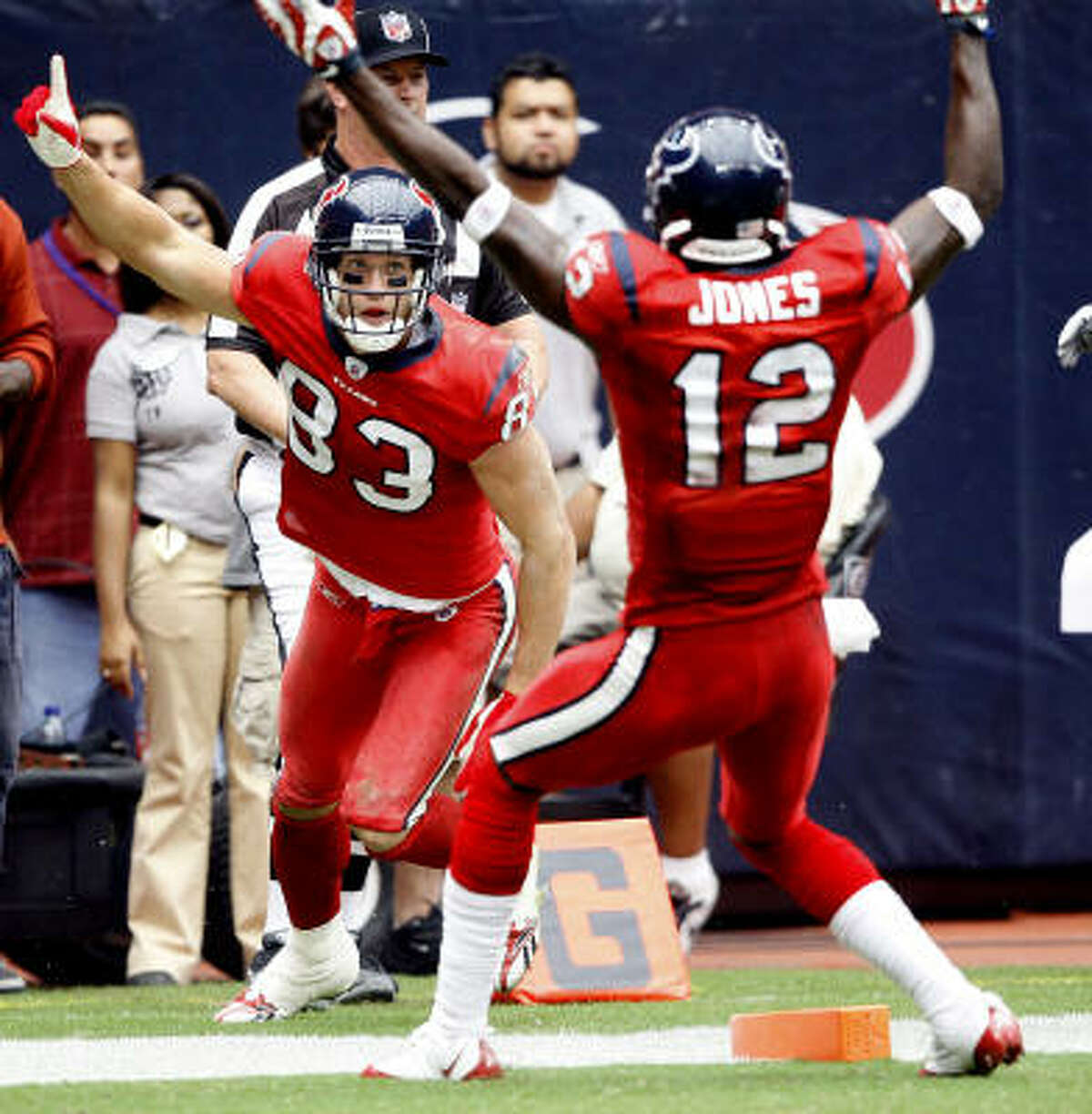 Wide receivers/tight ends Kevin Walter (pictured) played for the first time and had seven catches, including one touchdown. He had a devastating penalty, too. Owen Daniels had a touchdown catch. Andre Johnson had 86 yards on four receptions. B-