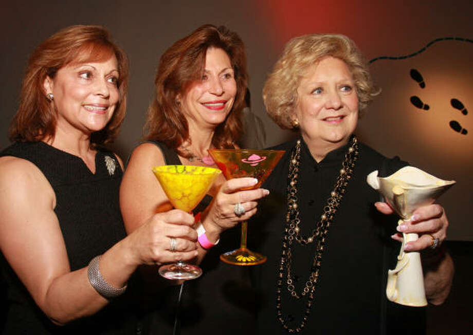 Anny Whyte, from left, Cathy Brock and Phyllis Childress Photo: Gary Fountain, For The Chronicle