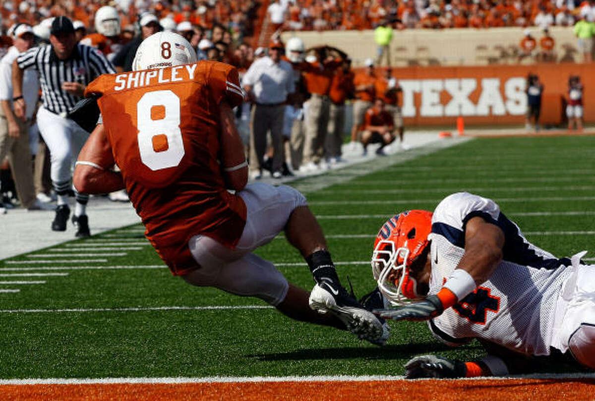 Texas wide receiver Jordan Shipley scores a touchdown in the first half.