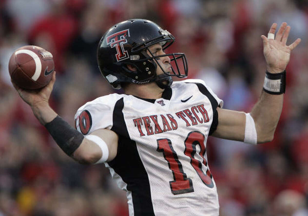 Cody Hodges (2002-05) Completions: 340 Attempts: 543 Percentage: 62.6 Yards: 4,267 Touchdowns: 33 Interceptions: 13