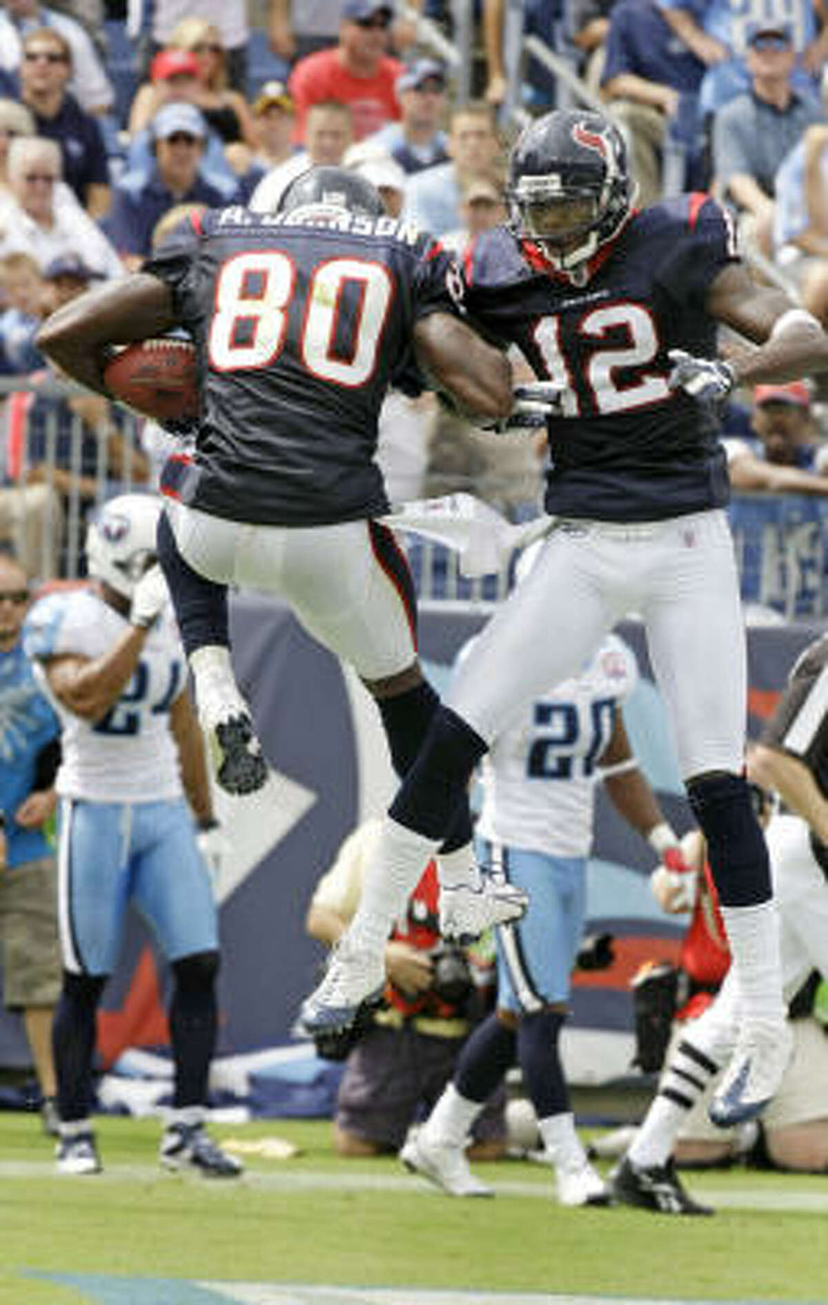 Wide receivers/Tight ends Andre Johnson (10 catches for 149 yards and 2 touchdowns) was the star, but Jacoby Jones made his two catches count for 73 yards and a touchdown. Owen Daniels had six catches and a touchdown. Joel Dreessen averaged 10.3 on three receptions. A