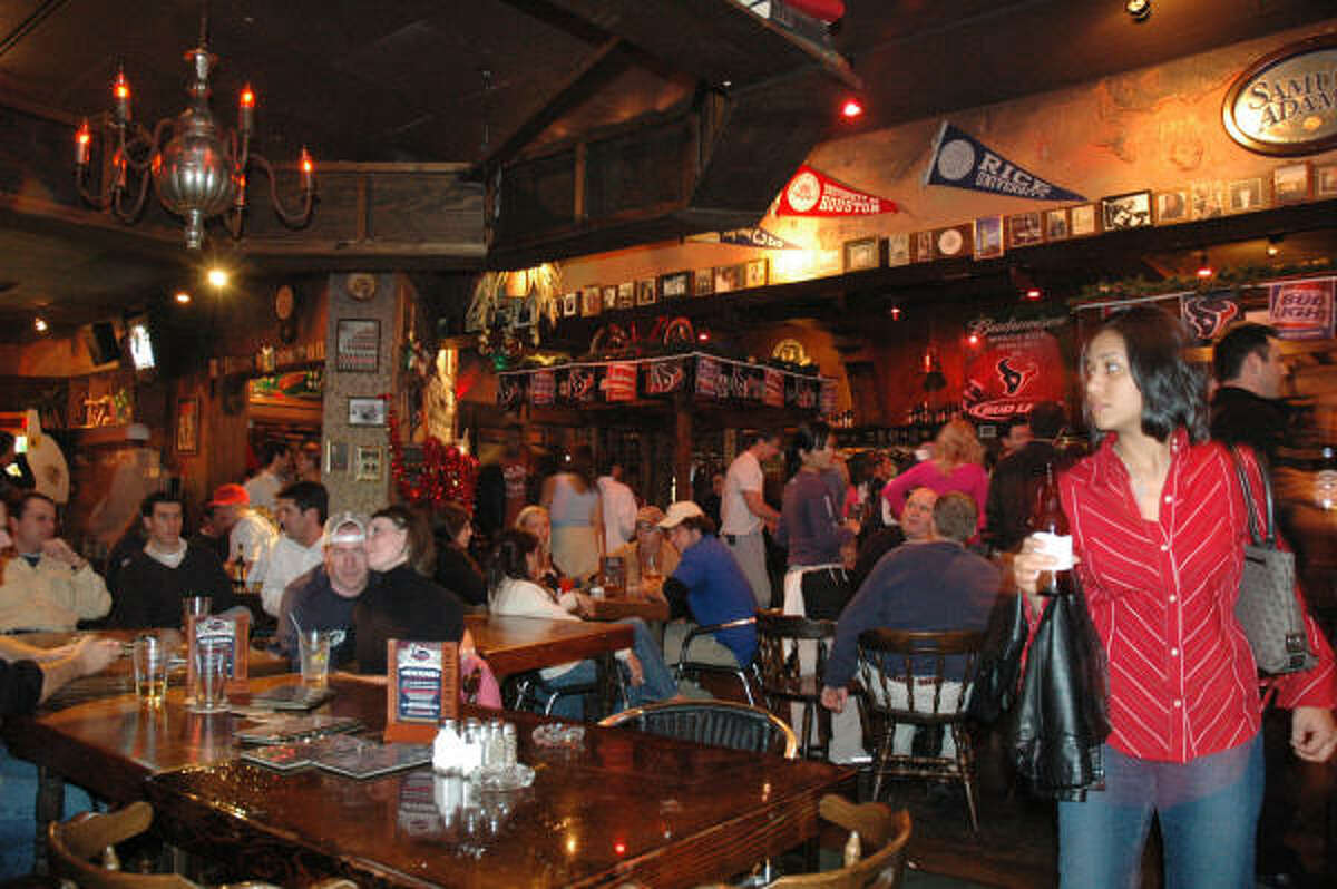 Inside Bakers St. Pub in Rice Village. Keep clicking to see other Houston restaurants and bars that closed recently.