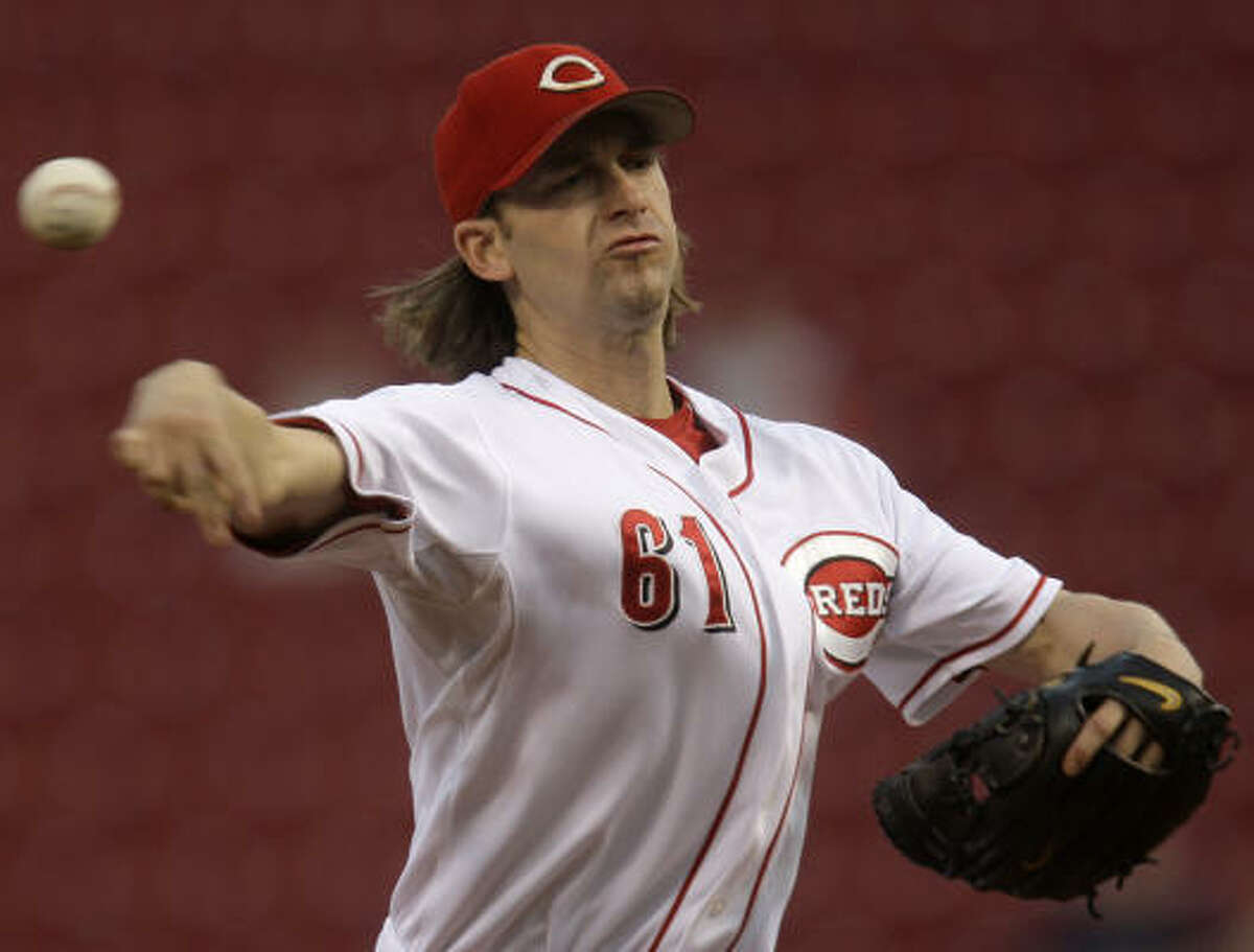 Pitcher Bronson Arroyo started for the Reds.