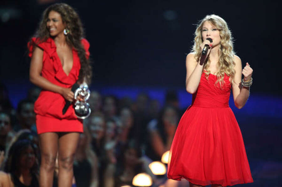 "BeyonceRumors are flying on Twitter that the Houston diva will make a surprise appearance onstage. Swift has enlisted high-wattage guests on almost every stop of her tour, including Avril Lavigne, Selena Gomez, Lisa Kudrow, Justin Timberlake and the United States women's national soccer team. Swift wished Beyoncé a happy birthday last week on Instagram and just followed her on Twitter, something she's done with previous onstage pals. A ""Single Ladies"" duet? Yes, please. Photo: Christopher Polk, Getty Images"