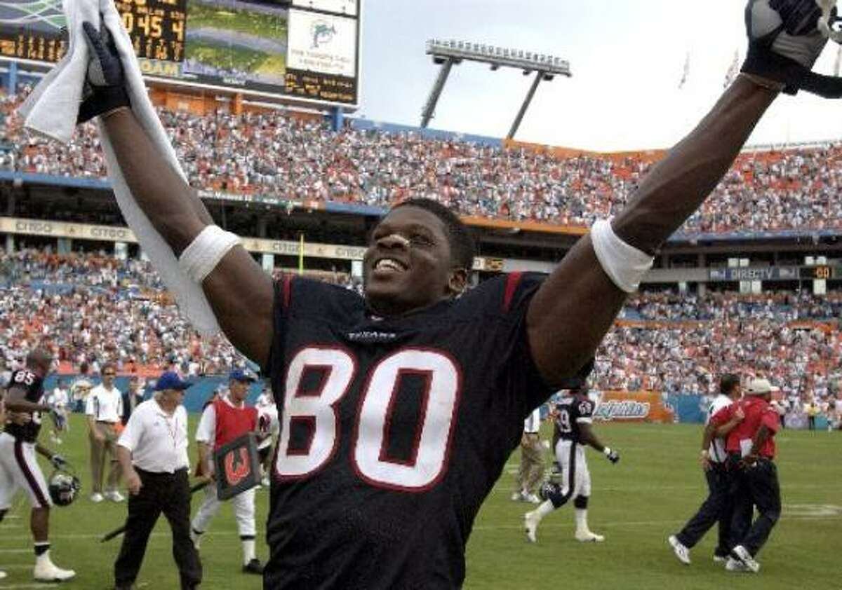 2003: Texans 21, Dolphins 20 MIAMI - Kris Brown kicked a 35-yard field goal with 25 seconds remaining to send the Texans to their second straight season-opening victory, 21-20 over the Miami Dolphins. Brown also made field goals from 50, 36, 24 and 23 yards.