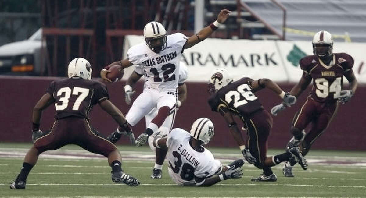 Texas Southern's A. Webb runs the ball against the University of Louisiana at Monroe during the first half in Monroe, La.
