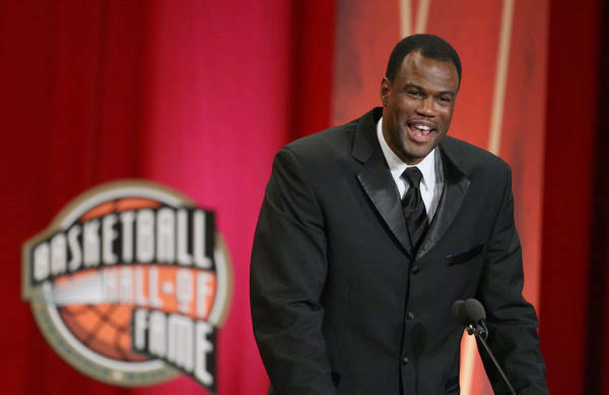 David Robinson is inducted into the Naismith Memorial Basketball Hall of Fame.