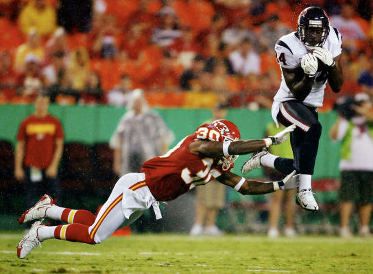 Texans wide receiver Darnell Jenkins makes a catch against Chiefs cornerback Ricardo Colclough in coverage.