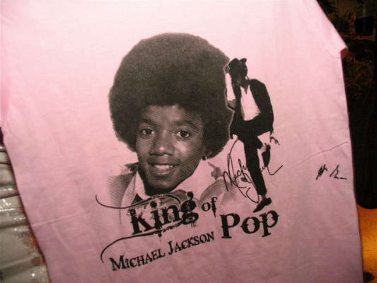 The event celebrated Michael Jackson's birthday and benefited the International House of Blues Foundation.