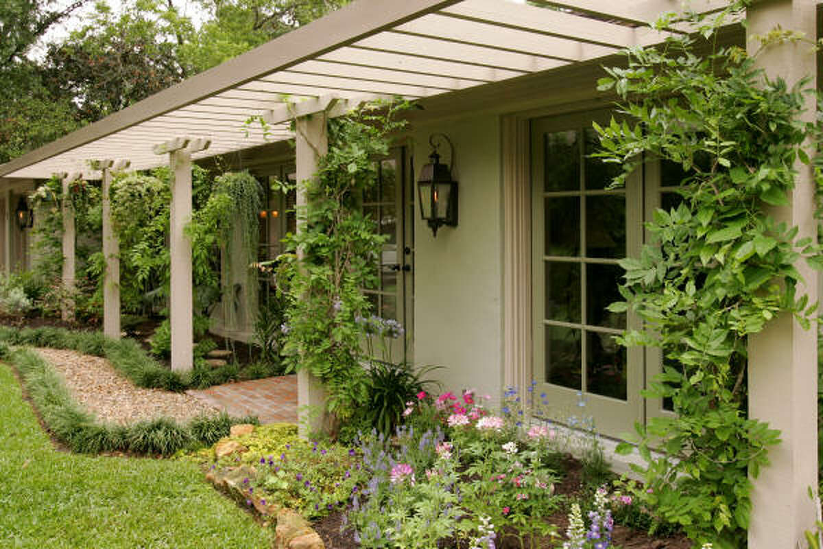 Gardener Pat Hermes designed this pergola. More: Submit your garden photos | Houston Plant Database | HoustonGrows.com