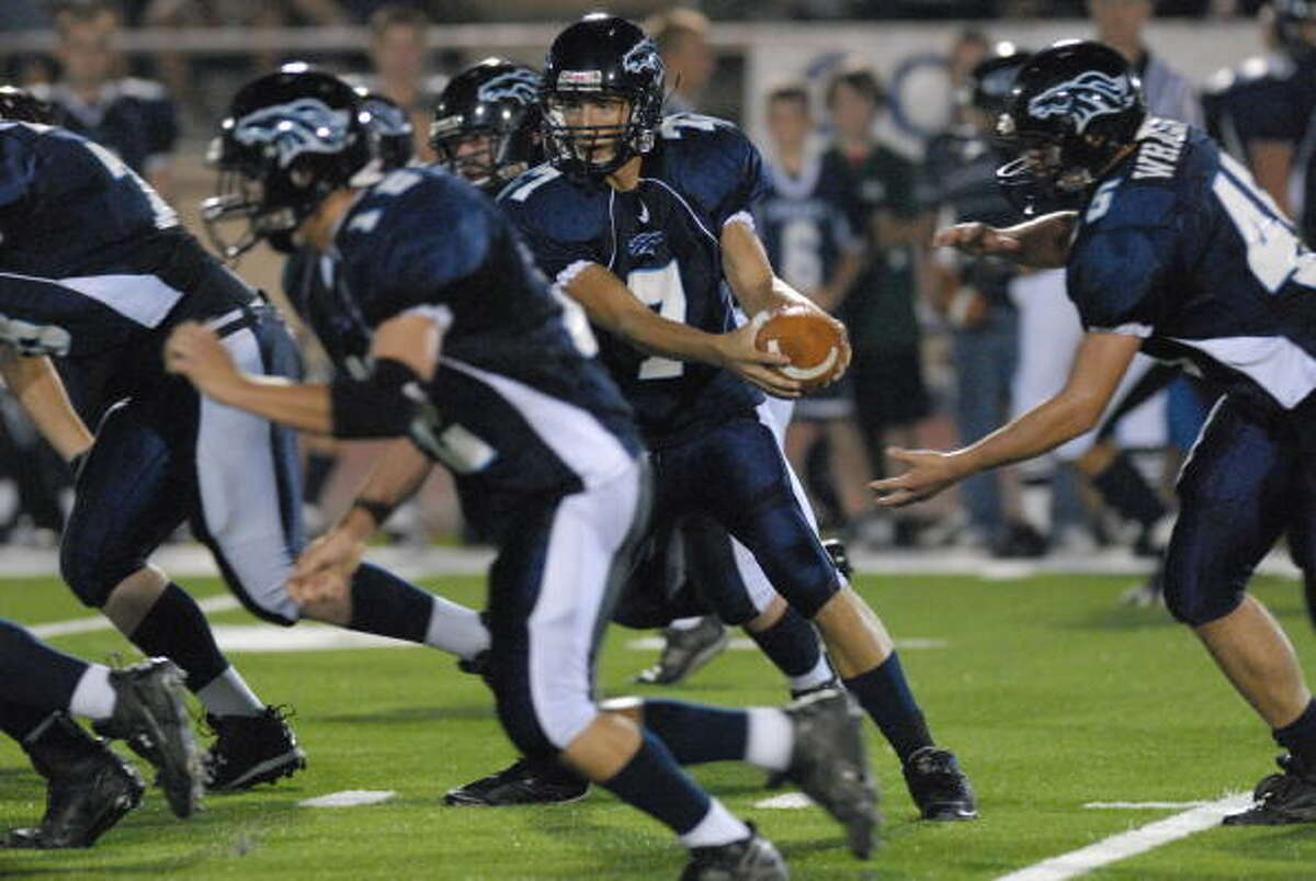 Kingwood vs. Pearland The first game of a doubleheader in Reliant's annual