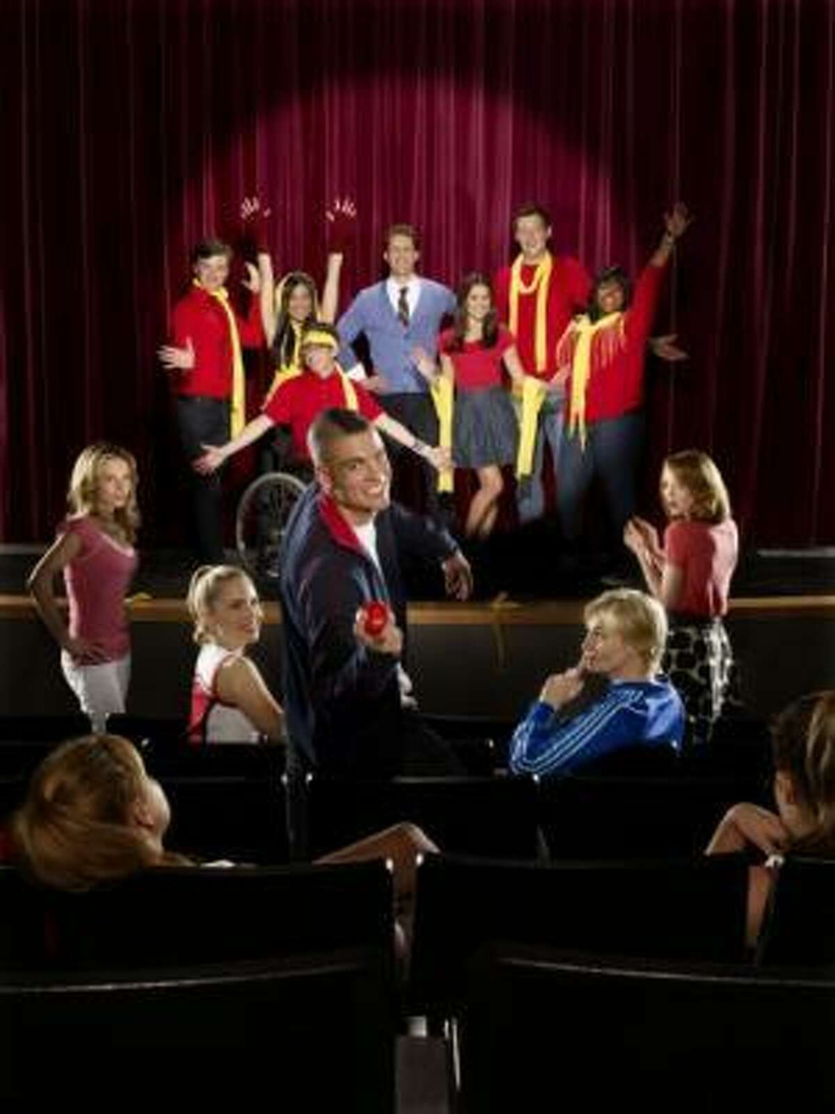 Glee , which premieres on Fox, is a comedy for the underdog in all of us. The cast members stopped by Hot Topics in The Galleria to visit fans. Read what our blogger thought here.