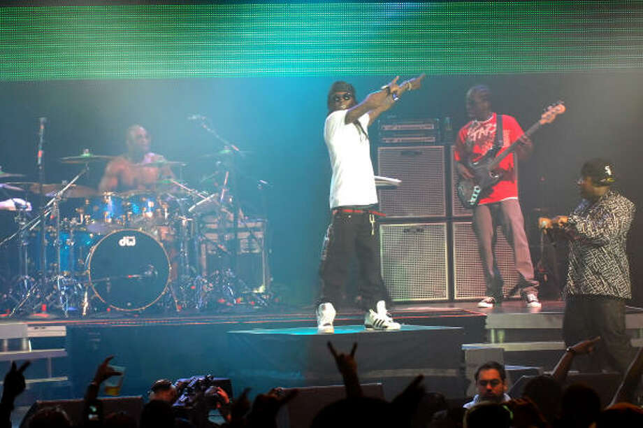 Lil' Wayne played the Woodlands Pavillion on Saturday. Photo: Tre' Ridings, For The Chronicle