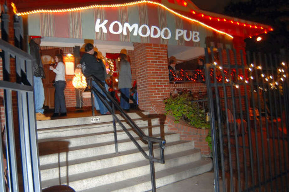 Komodo PubLocation:2004 Baldwin St, Houston, TX 77002Phone:(713) 655-1501Hours:Monday-Saturday: 2PM-2AMSunday: noon-2AMBonus:A cozy place to relax and chat. Photo: Tre' Ridings, For The Chronicle