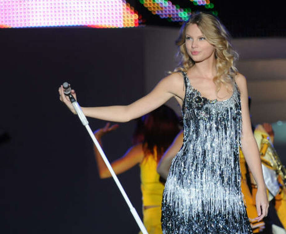 Parade.com polled Americans about their opinions on pop culture, movies, television, and more. And here are the results!   Best Role Model For Teens: Country cutie Taylor Swift was voted the best role model for teens (43%). Photo: Rick Diamond, Getty Images