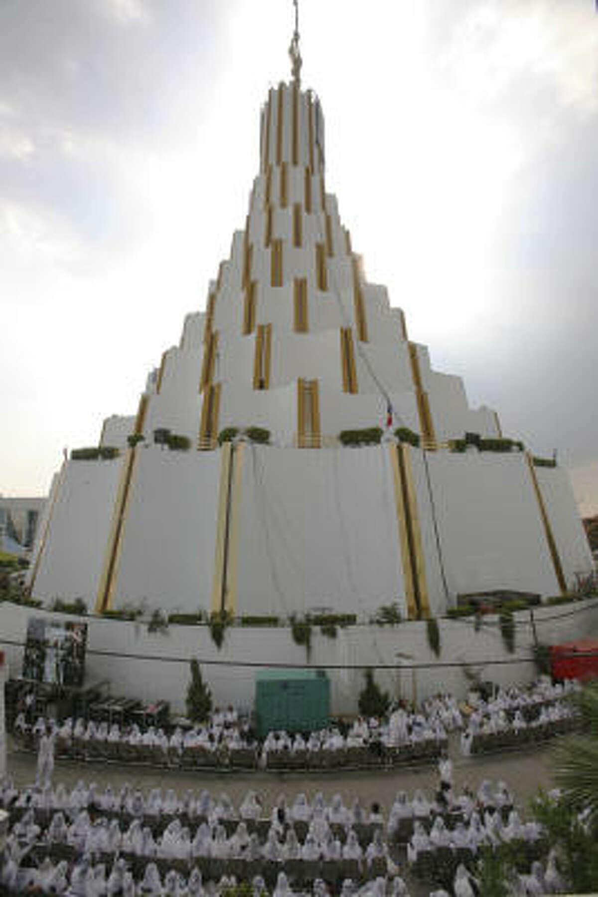 Hermosa Provincia Temple, a Light of the World Church, in Guadalajara, Mexico. Post your photos of faith | HoustonBelief.com